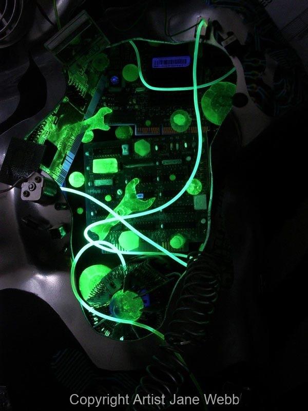 cyborg-male-detail-glow-cast-glass
