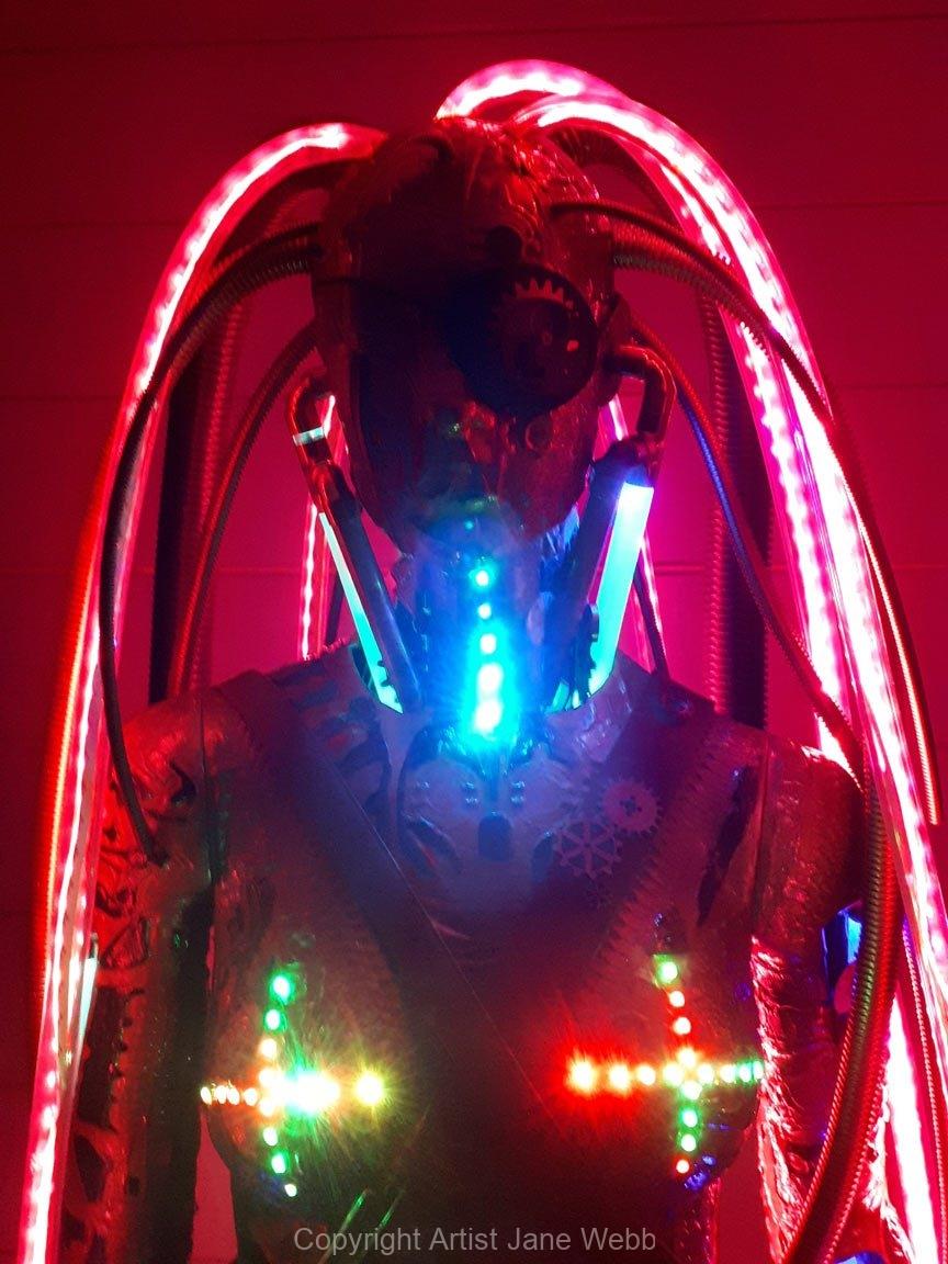 steampunk-cyberpunk-sculpture-light-art