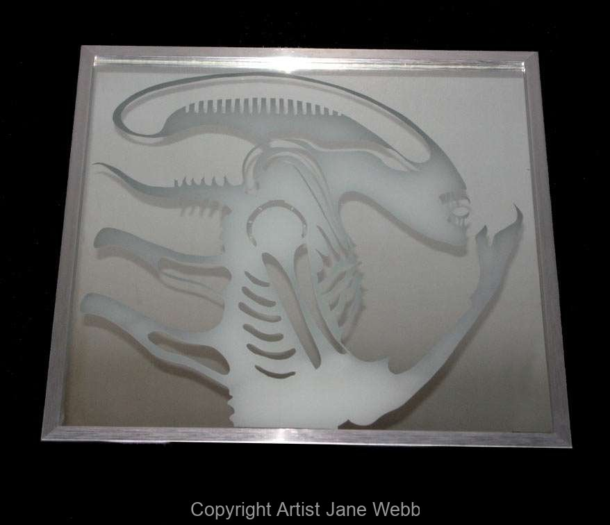 1_Alien-the-movie-collectable-hr-giger-mirror