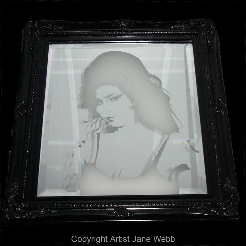 1_Amy-Wienhouse-illuminated-art